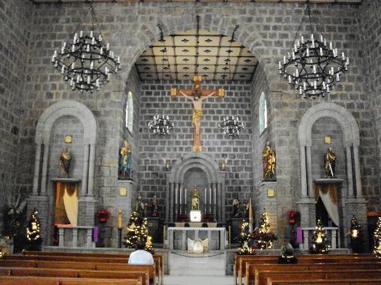 altar da igreja sao pedro em gramado