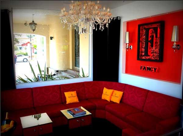 sofá no fancy club