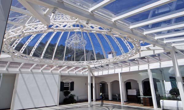 as recepções dos eventos na casa branca gramado são feitas no salão cristal