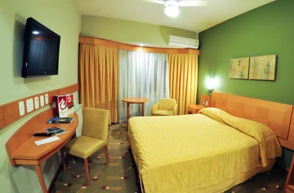 Hotel-Laghetto com suítes e quartos de luxo